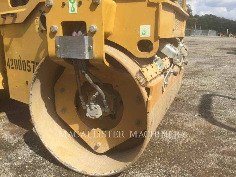 CATERPILLAR TANDEMOWY WALEC WIBRACYJNY DO ASFALTU (STAL-STAL) CB24B equipment  photo 11