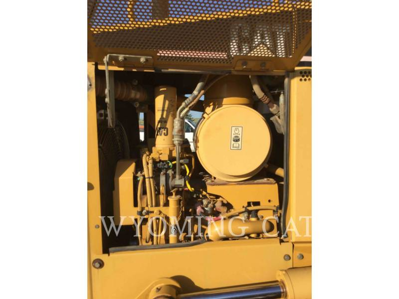 CATERPILLAR TRACK TYPE TRACTORS D5N LGP equipment  photo 14