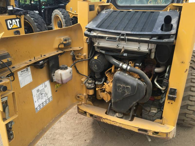 Caterpillar MINIÎNCĂRCĂTOARE RIGIDE MULTIFUNCŢIONALE 226B3 equipment  photo 14