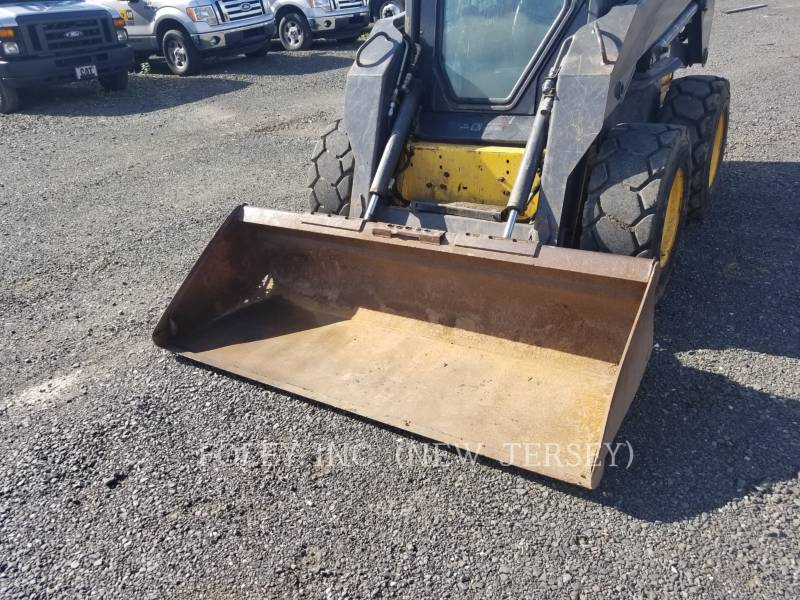 NEW HOLLAND LTD. SKID STEER LOADERS LS185B equipment  photo 5