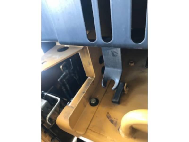 CATERPILLAR TRACK EXCAVATORS 390DL equipment  photo 10