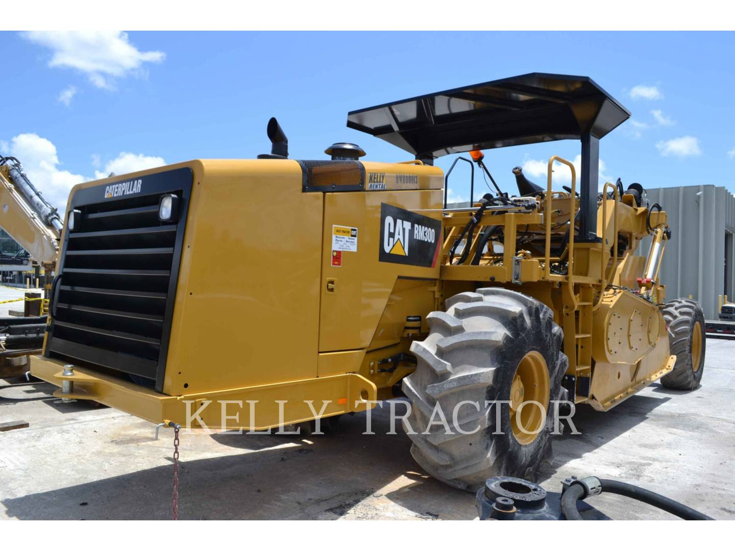 Detail photo of 2017 Caterpillar RM300 from Construction Equipment Guide