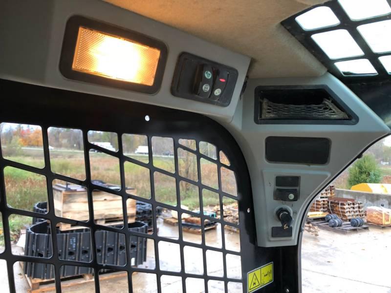 CATERPILLAR CHARGEURS TOUT TERRAIN 259D equipment  photo 21