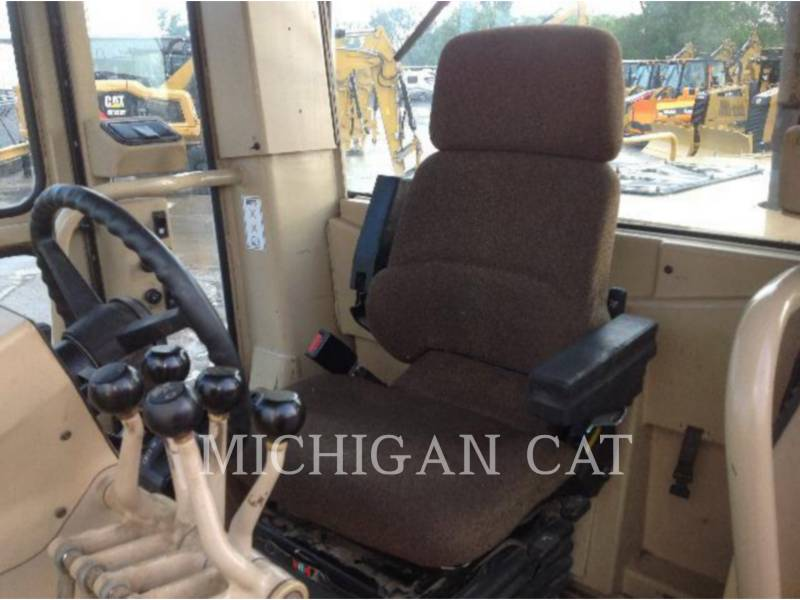 CATERPILLAR NIVELEUSES 163H equipment  photo 13