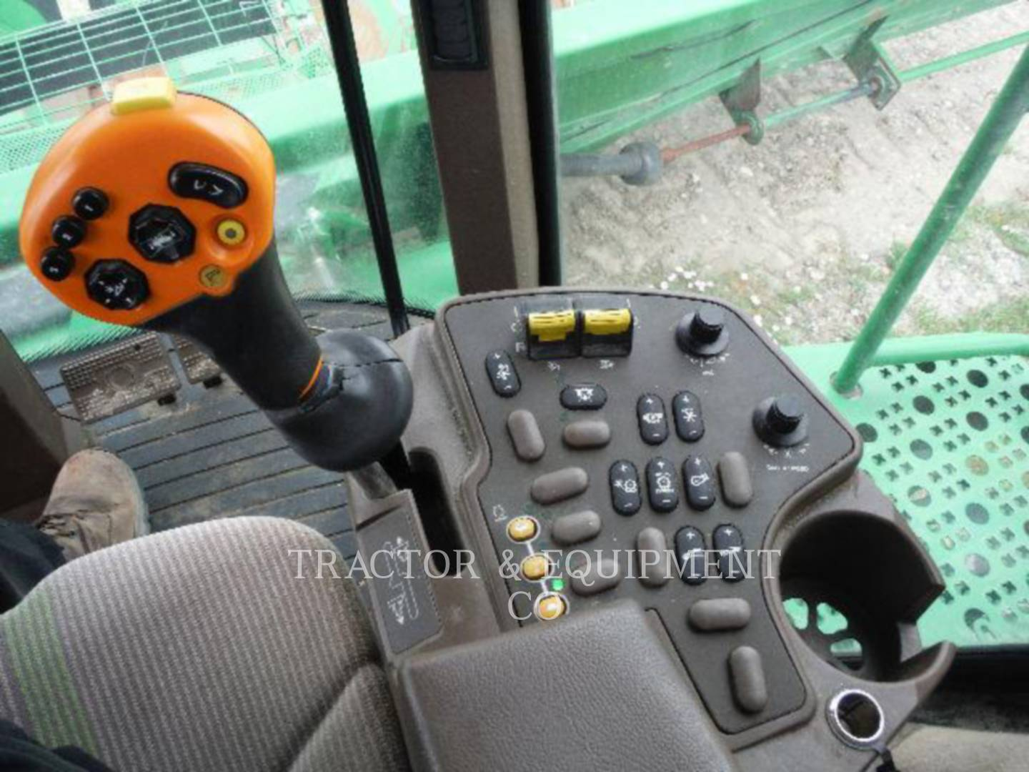 Detail photo of 2007 John Deere 9760 from Construction Equipment Guide