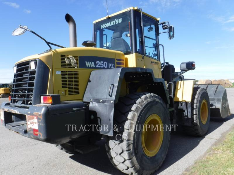 KOMATSU CARGADORES DE RUEDAS WA250PZ equipment  photo 8