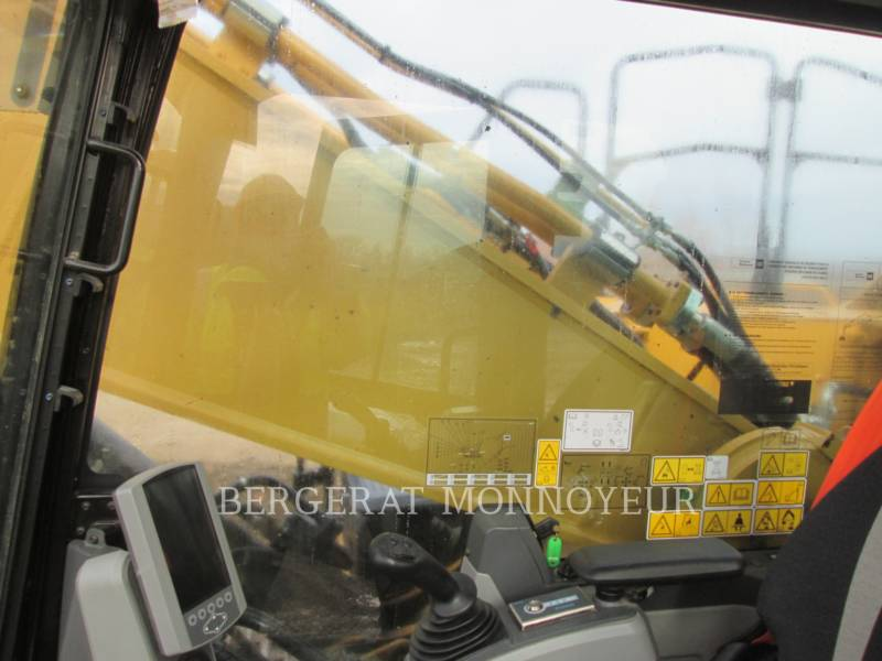 CATERPILLAR TRACK EXCAVATORS 349E equipment  photo 12