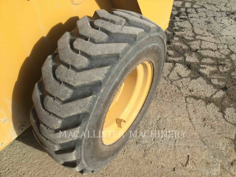 CATERPILLAR PALE COMPATTE SKID STEER 226D equipment  photo 8