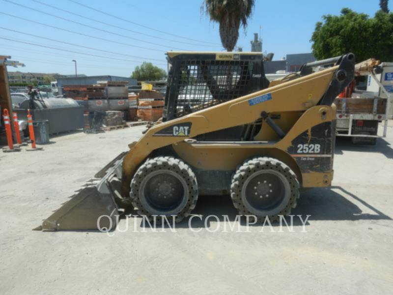CATERPILLAR MINICARREGADEIRAS 252B equipment  photo 2