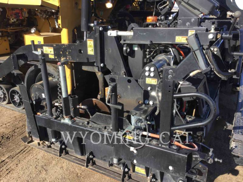 CATERPILLAR ASPHALT PAVERS AP1055F equipment  photo 14
