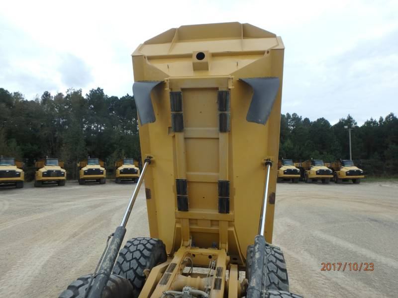 CATERPILLAR KNICKGELENKTE MULDENKIPPER 740B equipment  photo 7