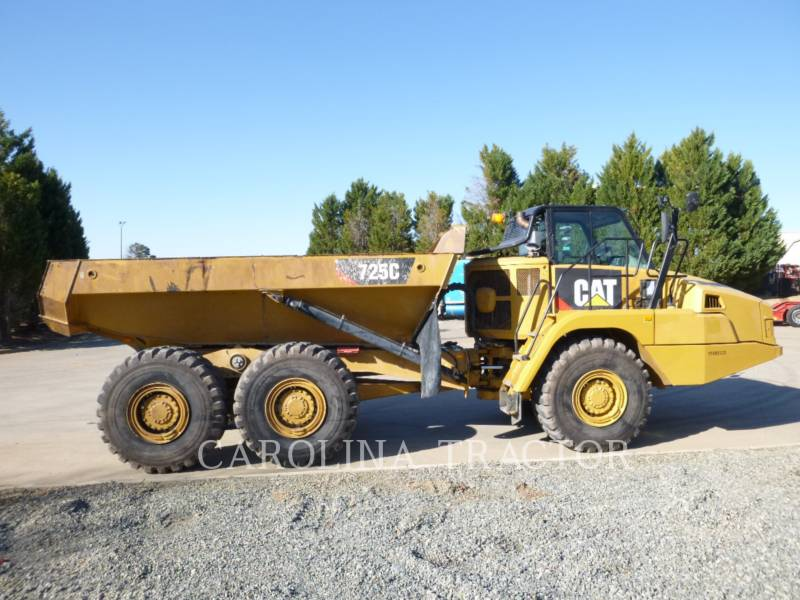 Caterpillar CAMIOANE ARTICULATE 725C equipment  photo 4
