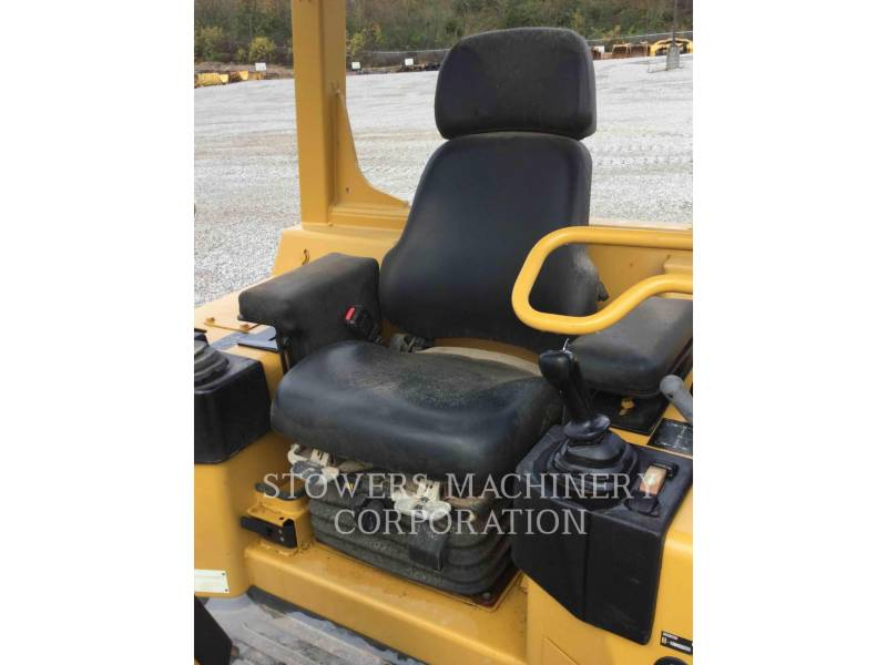 CATERPILLAR TRACK TYPE TRACTORS D3G equipment  photo 11