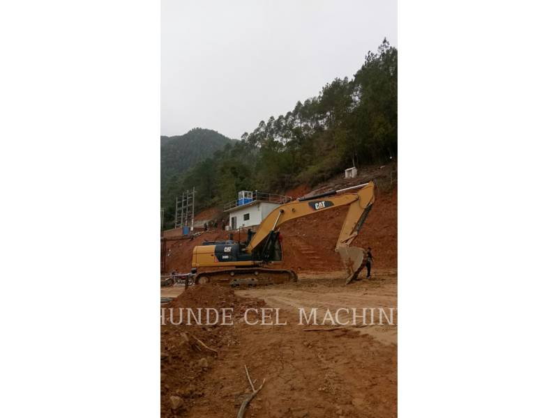 CATERPILLAR TRACK EXCAVATORS 330D2L equipment  photo 1