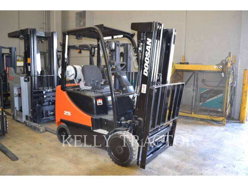 DOOSAN INFRACORE AMERICA CORP. MONTACARGAS GC25P-5 equipment  photo 2