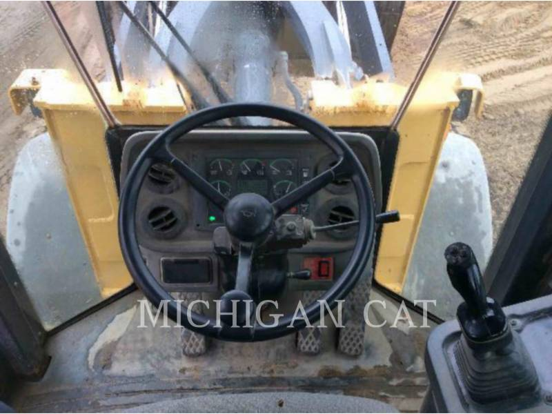 JOHN DEERE CARGADORES DE RUEDAS 544J equipment  photo 7