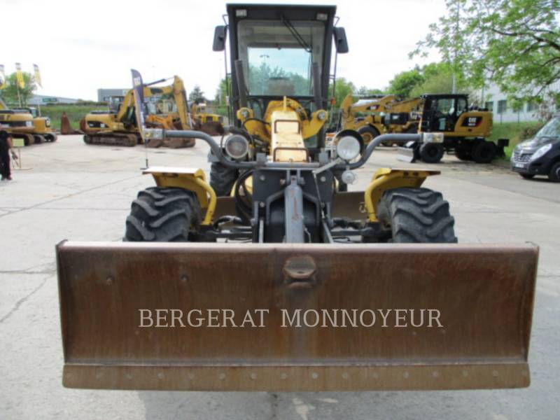 NEW HOLLAND MOTONIVELADORAS 106.6A equipment  photo 5