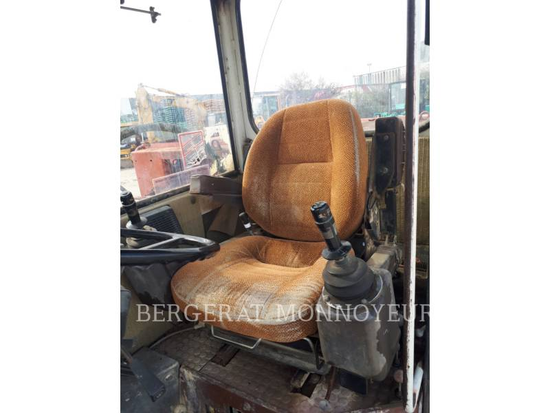 POCLAIN WHEEL EXCAVATORS P61 equipment  photo 8