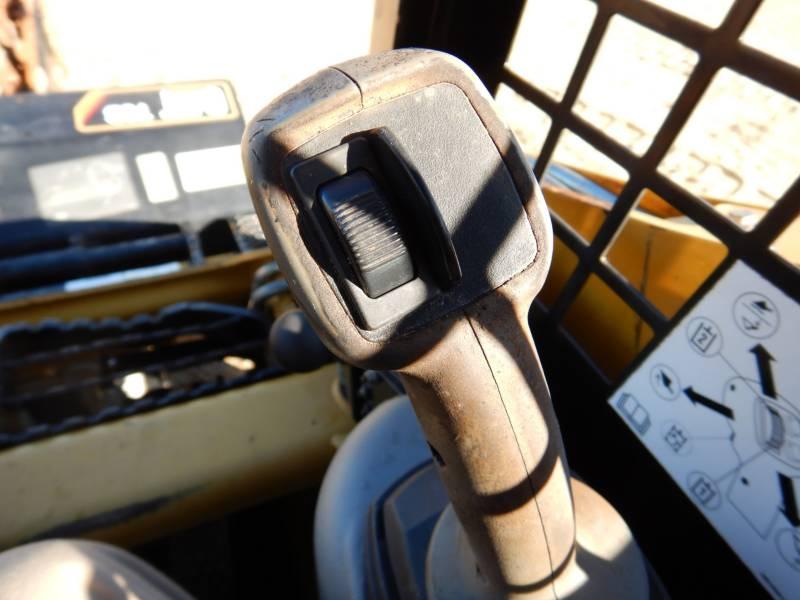 CATERPILLAR CARGADORES MULTITERRENO 257B3 equipment  photo 18