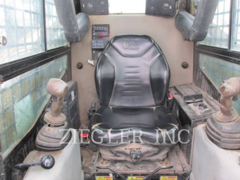 CATERPILLAR CHARGEURS TOUT TERRAIN 257B3 equipment  photo 6