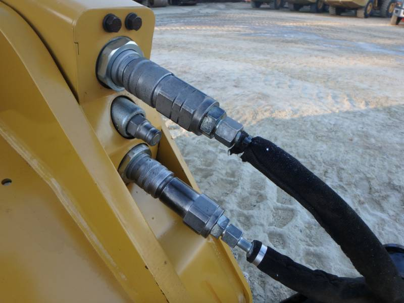 CATERPILLAR CARGADORES MULTITERRENO 259D equipment  photo 8