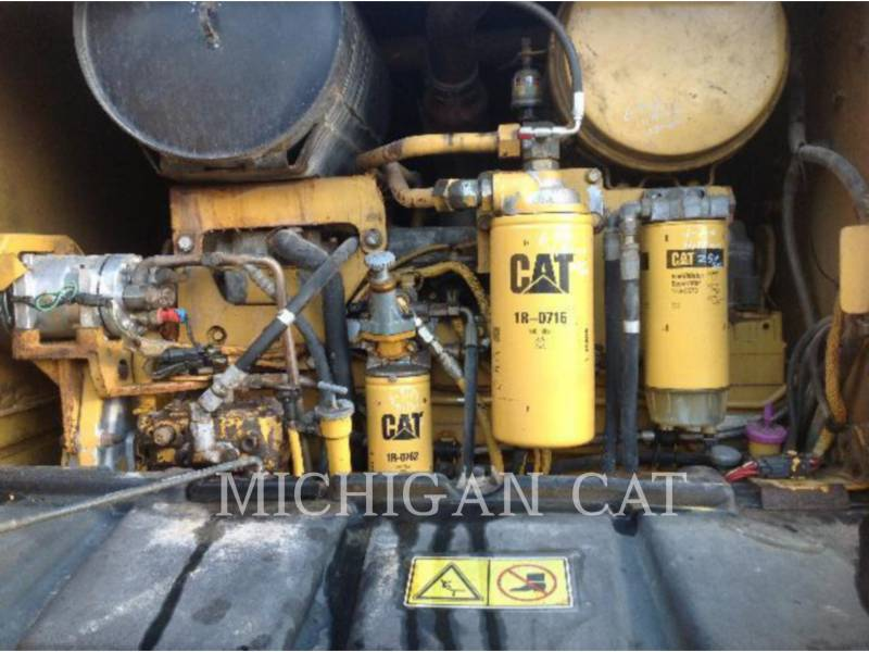 CATERPILLAR NIVELEUSES 163H equipment  photo 15