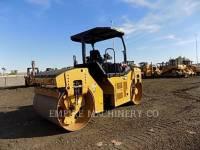 CATERPILLAR COMPACTEURS TANDEMS VIBRANTS CB54B equipment  photo 2