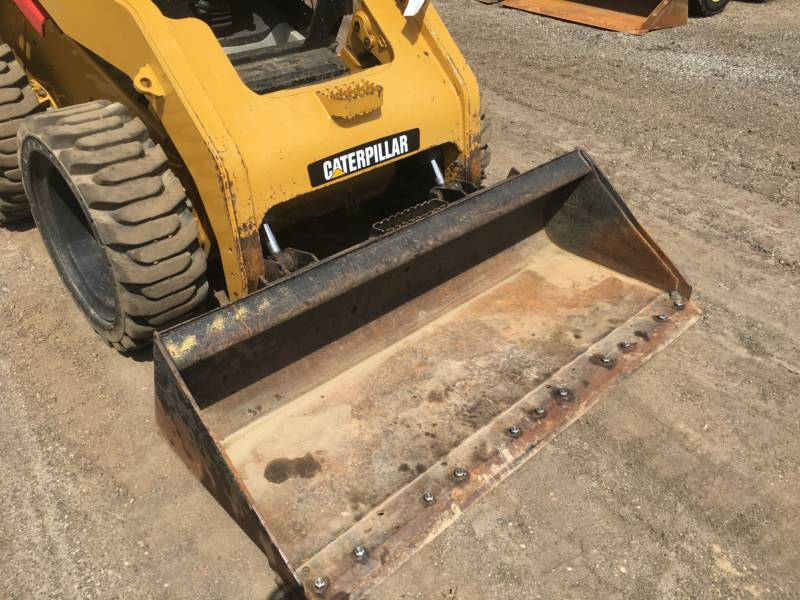 CATERPILLAR SKID STEER LOADERS 262C2 equipment  photo 16