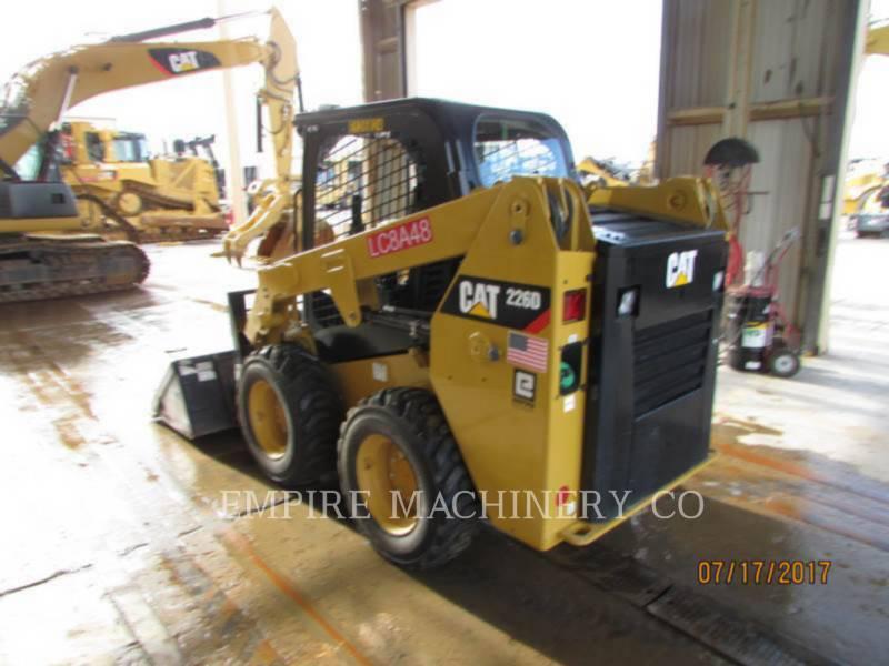 CATERPILLAR KOMPAKTLADER 226D equipment  photo 2