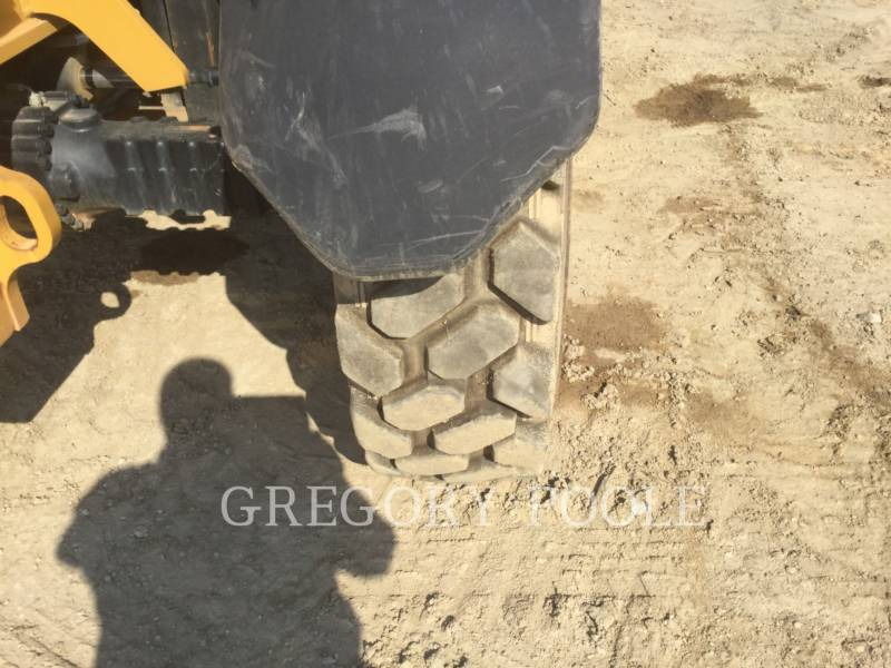 CATERPILLAR TELEHANDLER TL642C equipment  photo 16