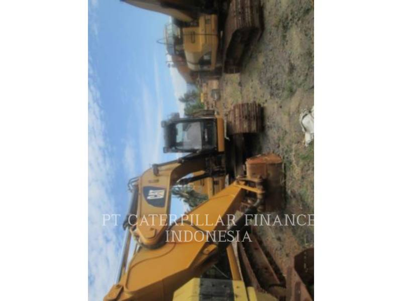 CATERPILLAR ESCAVATORI CINGOLATI 320D equipment  photo 2