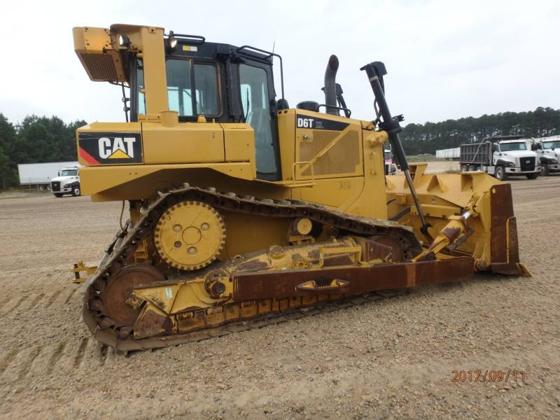CATERPILLAR KETTENDOZER D6T equipment  photo 4