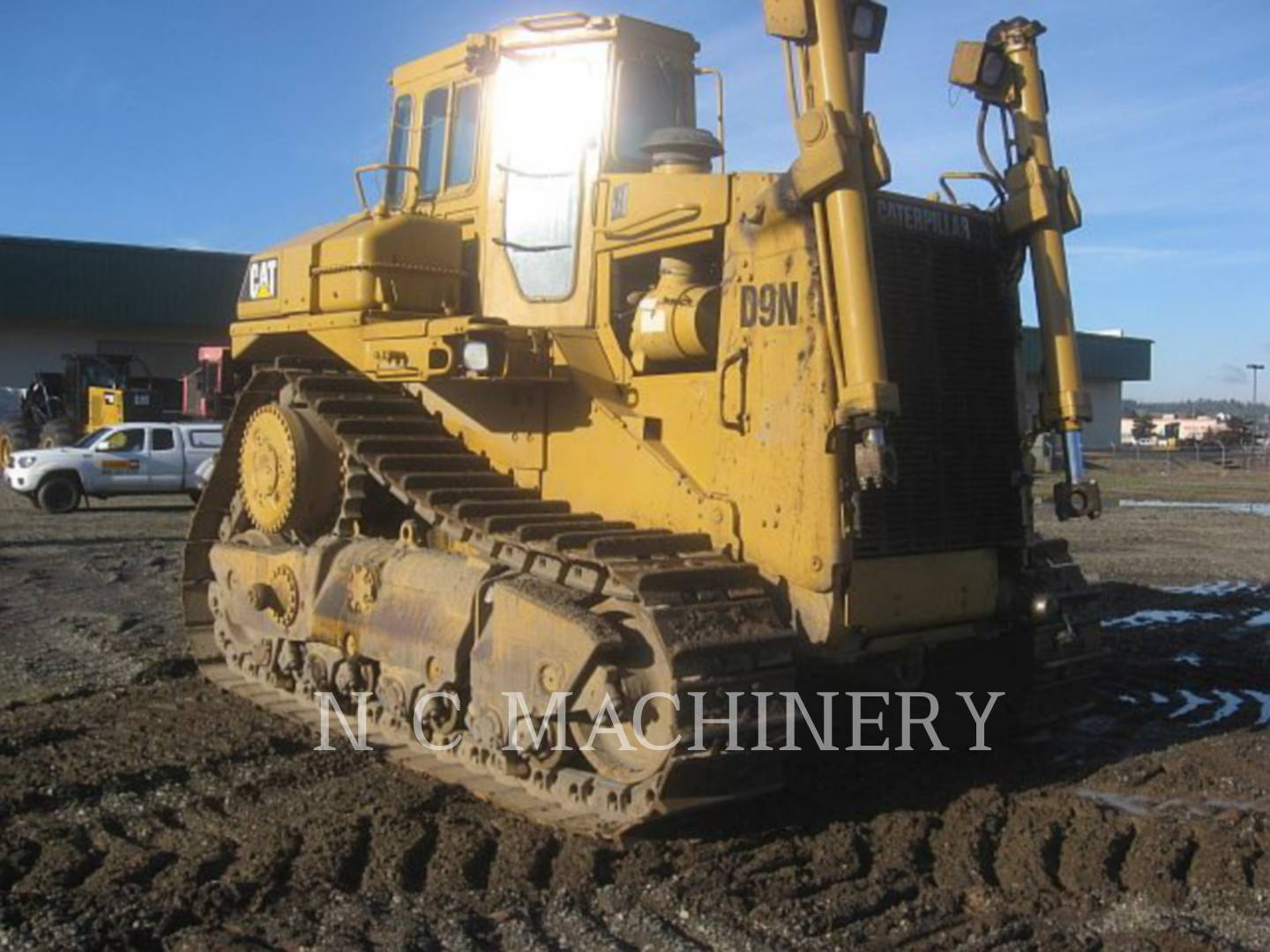 Detail photo of 1989 Caterpillar D9N from Construction Equipment Guide