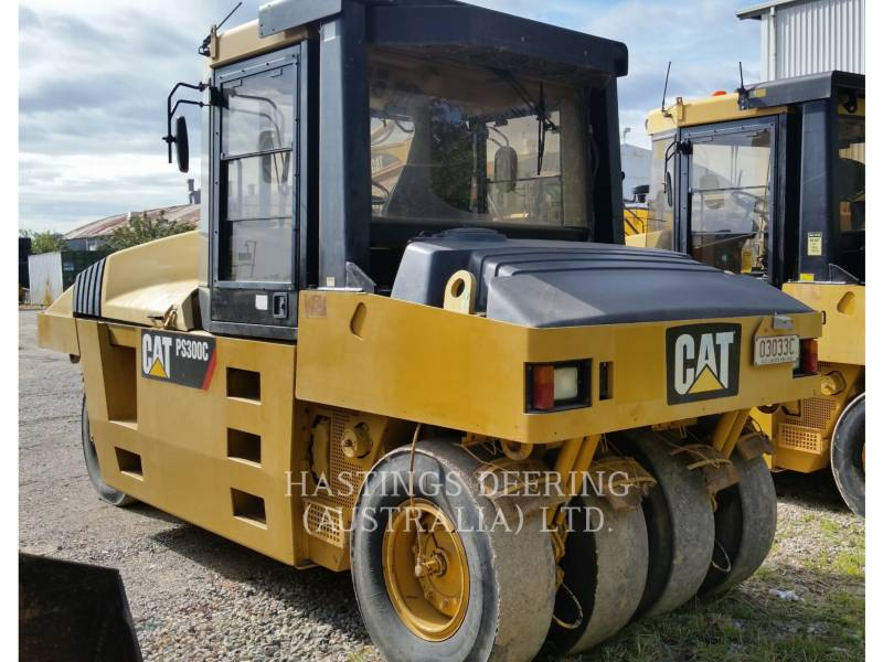 CATERPILLAR COMPATTATORI GOMMATI PNEUMATICI PS-300C equipment  photo 1
