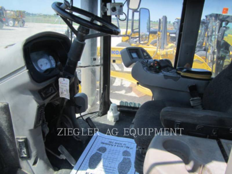 TERRA-GATOR Trattore 8203 equipment  photo 3