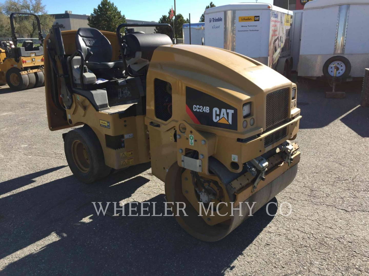 Detail photo of 2015 Caterpillar CC24B from Construction Equipment Guide