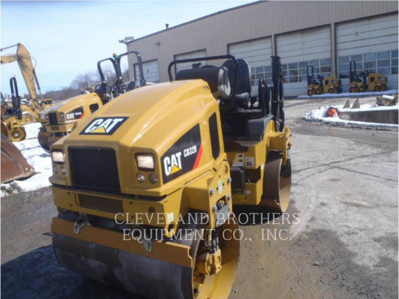 CATERPILLAR COMPACTADORES CB32B equipment  photo 1