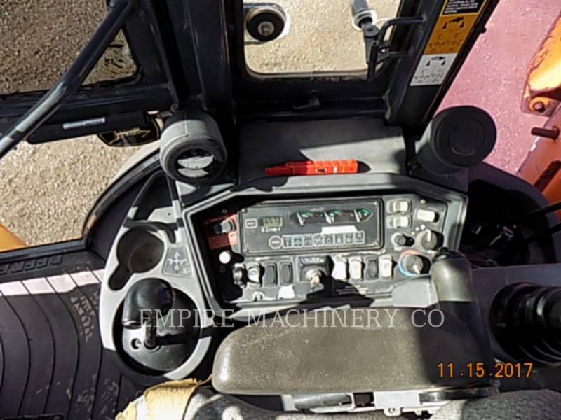 JOHN DEERE BAGGERLADER 410G equipment  photo 10