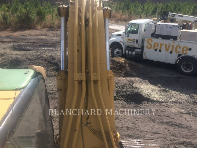 CATERPILLAR TRACK EXCAVATORS 322CL equipment  photo 7