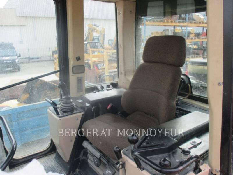 CATERPILLAR 履帯式ローダ 963C equipment  photo 8