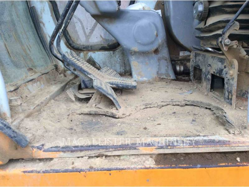 SAMSUNG TRACK EXCAVATORS 350 equipment  photo 18
