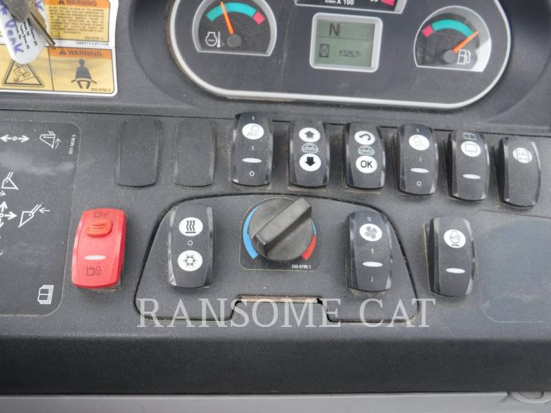 CATERPILLAR RETROESCAVADEIRAS 420F equipment  photo 20
