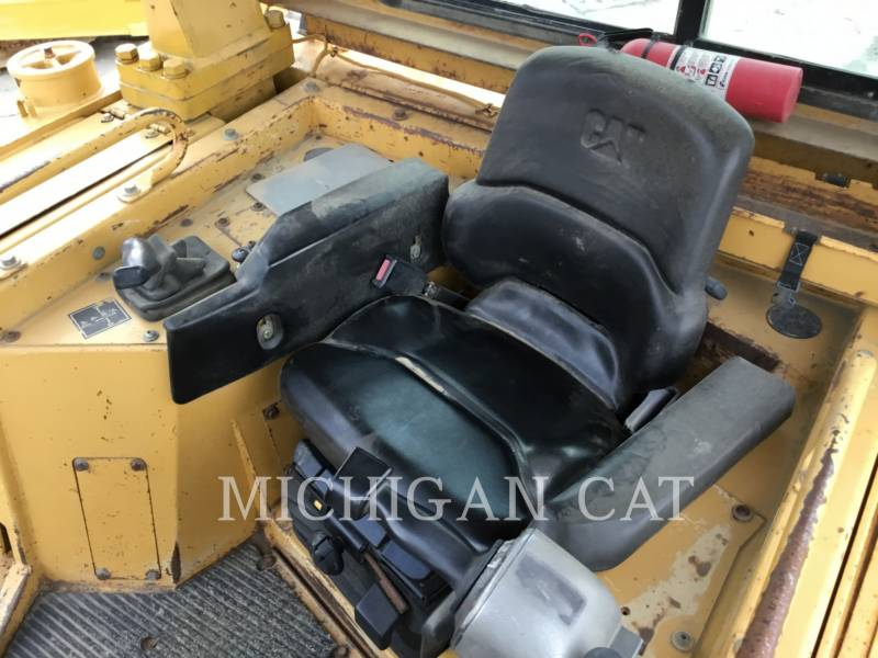 CATERPILLAR TRACK TYPE TRACTORS D6RX equipment  photo 14