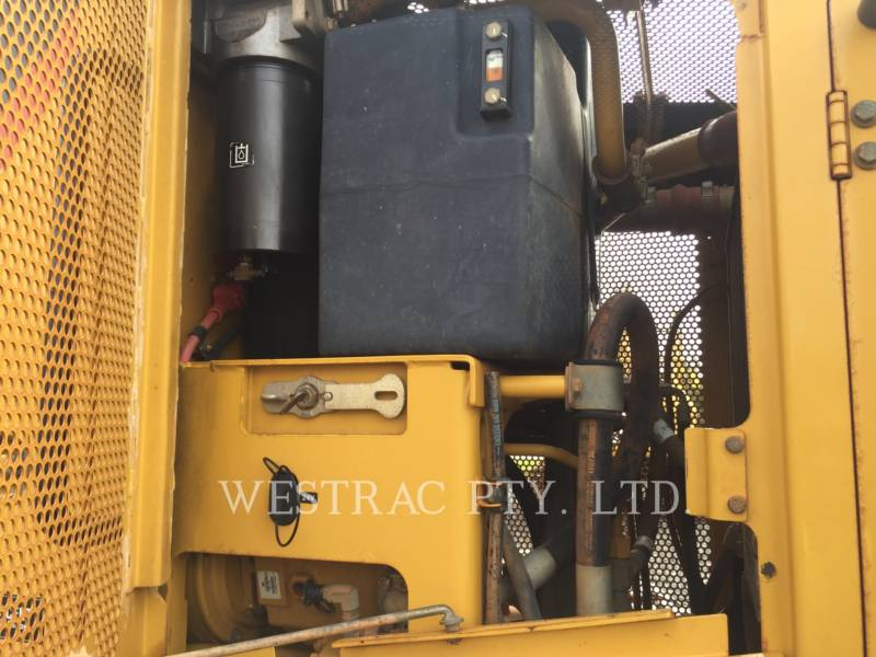 CATERPILLAR MOTOR GRADERS 12M equipment  photo 8