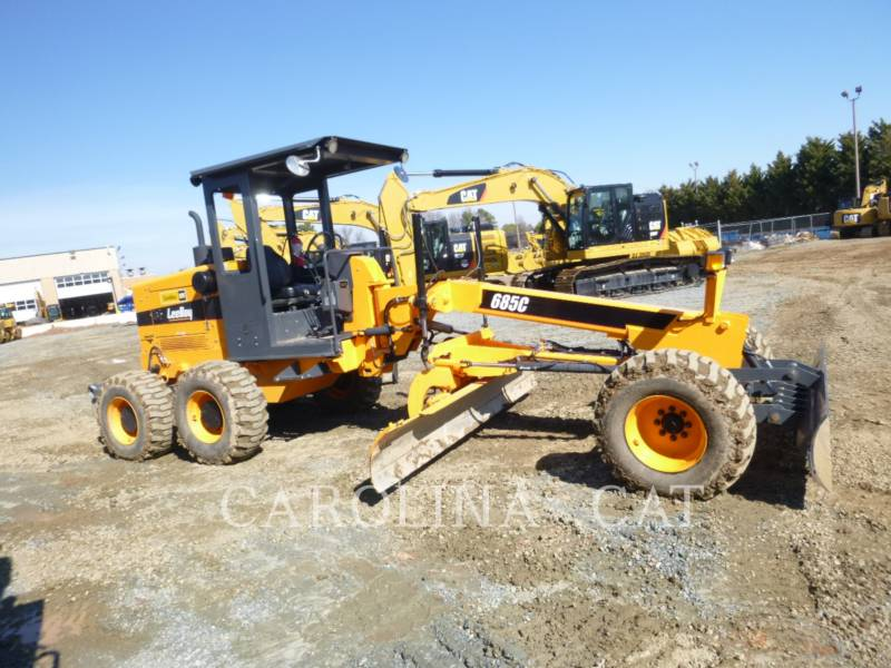 LEE-BOY VEHICULES UTILITAIRES 685C equipment  photo 4
