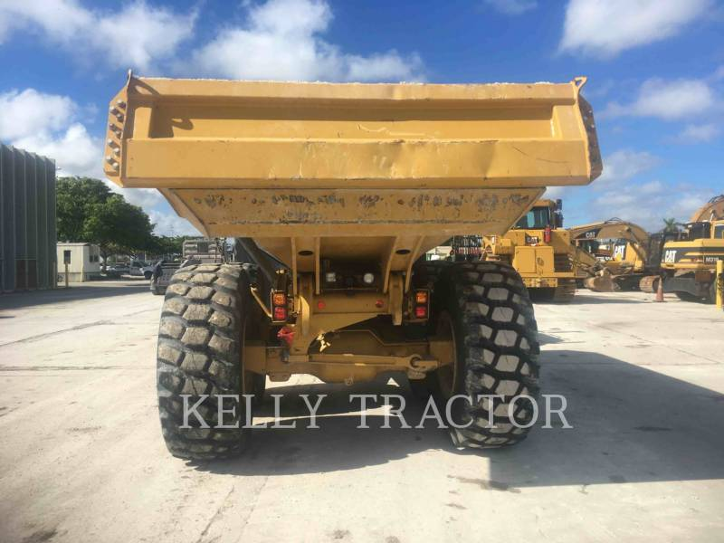 CATERPILLAR CAMIONES ARTICULADOS 725C equipment  photo 2