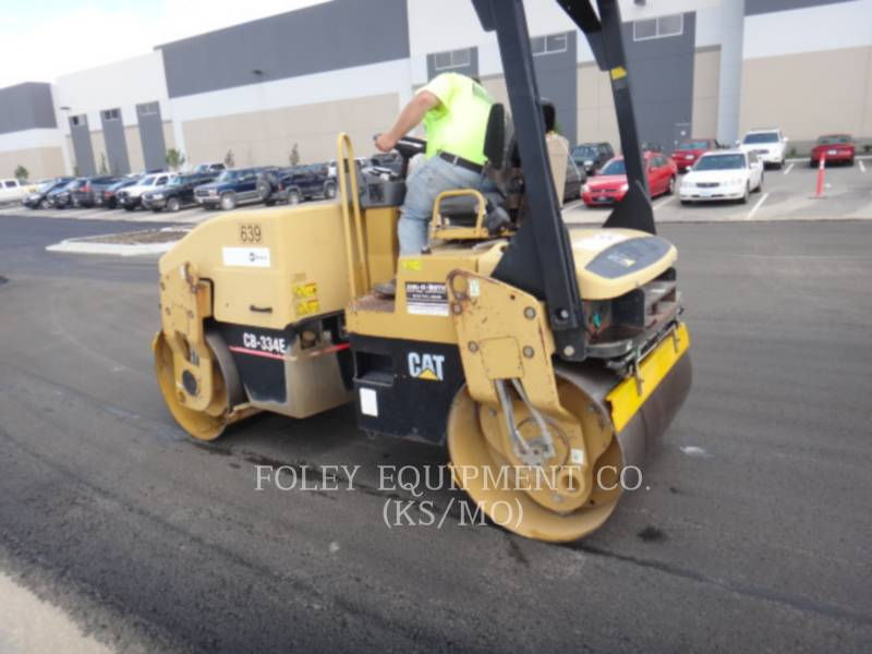 CATERPILLAR TANDEMVIBRATIONSWALZE, ASPHALT CB-334EII equipment  photo 2