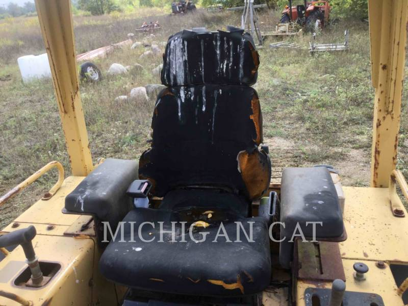 CATERPILLAR TRACK TYPE TRACTORS D4CIIILGP equipment  photo 21