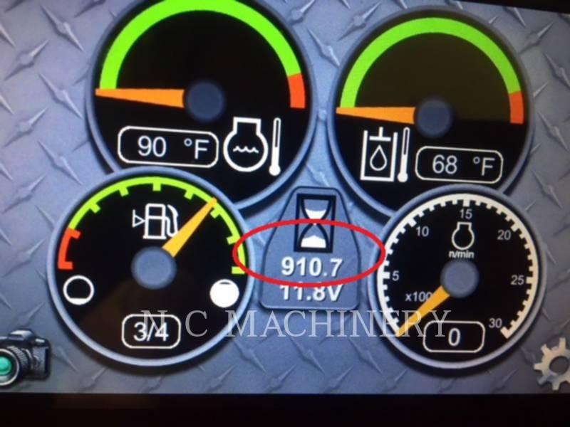 CATERPILLAR MINICARGADORAS 246D H3CB equipment  photo 8