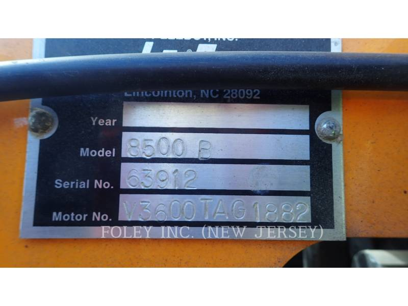 LEE-BOY ASPHALT PAVERS 8500B equipment  photo 9